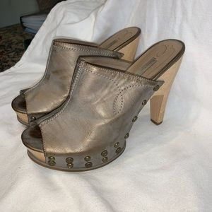 Gorgeous Calvin Klein Grey/Copper Heel Size 7.5
